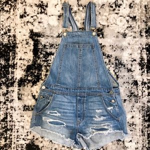 American Eagle distressed overall shorts